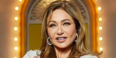 ليلى علوي في مرمى الانتقادات بسبب دلال عبدالعزيز