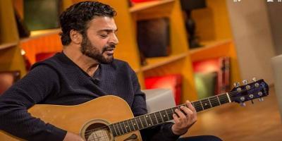حميد الشاعري يحتفل بتخرج ابنته.. وجمالها يلفت انظار الجمهور
