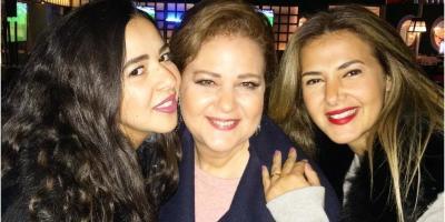 دنيا وإيمي سمير غانم من جنازة والدتهما