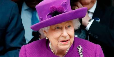 الملكة اليزابيث تصدر قرارًا هامًا بشأن مواقف الأمير هاري