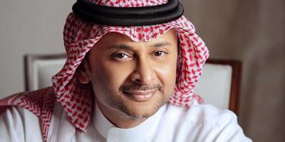 عبد المجيد عبد الله يفقد والدته ويواجه انتقادات لأنه شارك