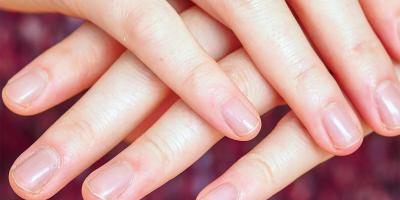 7 أسباب للشعور بألم تحت الأظافر عند الضغط عليها