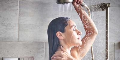 هل حقًا تحتاج للاستحمام يوميًا؟ الخبراء يجيبون