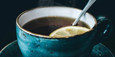 6 من فوائد الشاي الأخضر مع الليمون..من بينها إنقاص الوزن
