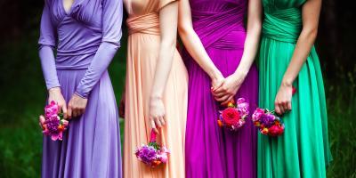 ماذا ترتدين عند الذهاب لحفلات الزفاف؟ استوحي أفكارك من هنا