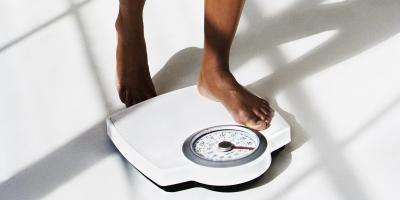 لهذا السبب قد يزداد وزنك أثناء الدورة الشهرية وكيف تتعاملين